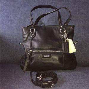 Black crossbody Coach bag 🖤